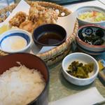 ビューレストラン スカイライン - とり天定食
