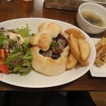 サンリンシャ - サイコロステーキパン(899円+税)1607