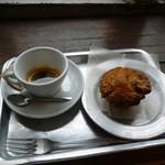 寺崎コーヒー - 料理写真:エスプレッソとバナナキャラメルマフィン