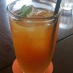 ROQUI  CAFE - ドリンク写真:たっぷりオレンジアイスティー