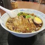 台湾客家料理 新竹 - 排骨麺、丼形