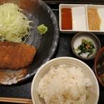 牛かつ もと村 コレド室町店 - 牛ロースカツ麦飯セット(1300円)