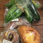 つぐみカフェ - 野菜やパンも買いました