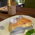 つぐみカフェ - チーズケーキと忍ジャエール