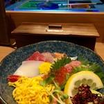 53376059 - 生簀を見ながら海鮮丼(980円)(税別)