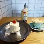 モジョコーヒー - ショートケーキと、 カプチーノ
