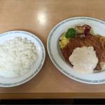 おぐらチェーンたくみ - 料理写真:チキン南蛮