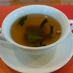 ビアダイニング 王様の食卓ウエスト - ホウレンソウのスープ