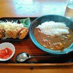 いのうえ - 料理写真:カレーと鶏の唐揚げ