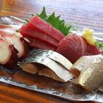 魚料理 いさり火 - 刺身6種盛り合わせ