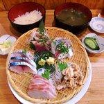 浜焼 魚松 - 浜焼 魚松 @西葛西 刺身定食 750円