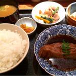 大皿料理 さかな家 - カレイ煮付け定食800円