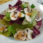 わいん厨房たるたる - 洋野菜とマッシュルームのサラダ(\819-)