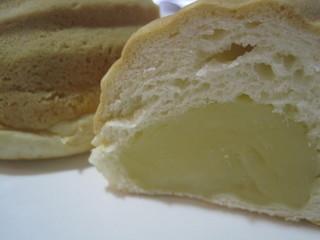 メロンパン 本店 - ずっしりクリーム