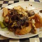 ザ パンヘッズ ヘヴン サルーン - 食べてる最中、こぼれ落ちた肉塊