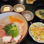 和食処 八田 - 五目海鮮丼
