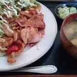 おてのくぼ - 料理写真:豚肉のしょうが焼きライス650円(再訪)