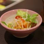 アジアンキッチン 媽媽や - 鮪のサラダ