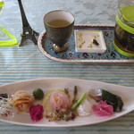 Bistro R - 前菜と高山茶