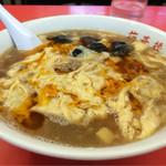 梅華楼 - 酸辣湯麺(シイタケ抜き)910円