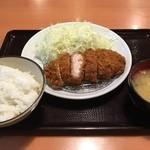 とんかつ坂井精肉店 - ヒレカツ定食800円