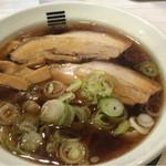 城東烈火 - 四種の魚介醤油ラーメン(750円)。