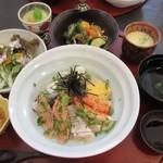 ビストロパパ - 海鮮丼ランチ