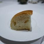 I・K・U 青山 - 目白のかいじゅう屋さんのパン