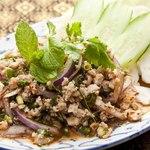ラープ・ガイ(鶏挽肉の辛味ハーブ和え)