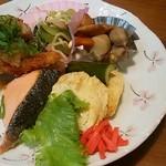 G.Gキッチン - 和定食の焼魚・煮物・揚物・出し巻き