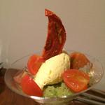 53427794 - ★★★☆ 太陽が燃えている・・・トマトとオリーブオイル キウイとバジル