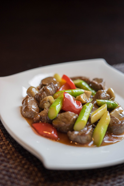 チャイナシャドー - 蠔油牛肉(うしのかきあぶらいため)