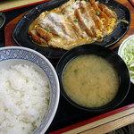 きそば 札幌 小がね - カツ丼1000円