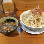 53431828 - 2015.12.17  つけ麺大盛〜野菜のちょい増し
