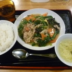Sambikuenhompodandan - 木耳と豚肉の卵炒め \500-