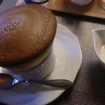 六盛 スフレ・カフェコーナー茶庭 -