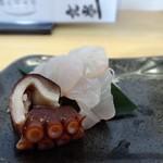 53435800 - 刺身は白身と蛸