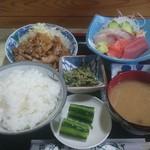 藤屋 - 料理写真:日替り定食(880円)の一例