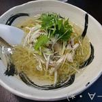 53440324 - 塩葱そば(800円)スッキリとコクのあるスープ!!