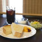 ワーズカフェ - 料理写真:【モーニングメニュー】トーストBセット\750(税込)珈琲or紅茶付