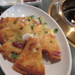 百済kudara - 海鮮チヂミも出て来ました、パジョンじゃなく海鮮チヂミが出たって事はソウル風じゃなく福岡に近い釜山風焼肉かな?