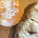 パン工房ペルミオ - 料理写真:クリームパンとクランベリーチーズパン