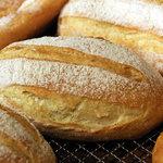 kuu. - プロヴァンスハーブのパン。2010年10月撮影。