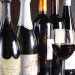 kitchen @ease - ワイン、シャンパンなど、色々ご用意しております。グラスワインもございます。