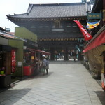 53479060 - 川崎大師の門前