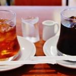53482051 - 『アイスティー』と『アイスコーヒー』~!!ケーキとのセットで50                       円引きで各400円~♪(^o^)丿