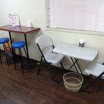バンズマン - テーブル席