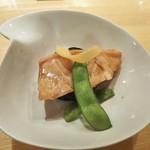 近江屋 伝兵衛 - 鮭と茄子の挟み焼きいしる風味