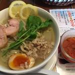 麺づくり 蒼空 - 2016年7-8月限定、旬菜涼麺アラビアータスープ添え(税込928円)