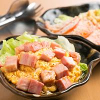 居酒屋金太郎 - ベーコンと玉子のおいしいサラダ